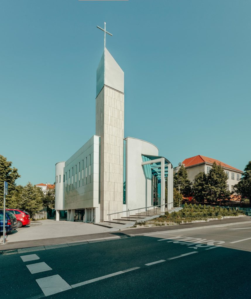 entasis-crkva-001-858x1024